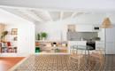 Уютная квартира на крыше, дарящая свет и наслаждение отдыхом