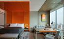 Всего одна оранжевая деталь определила дизайн интерьера