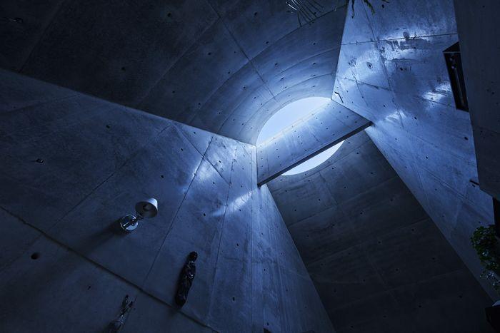 Фото: Koji Fujii Nacasa & Partners Inc. Источник фото: http://www.hosakatakeshi.com/