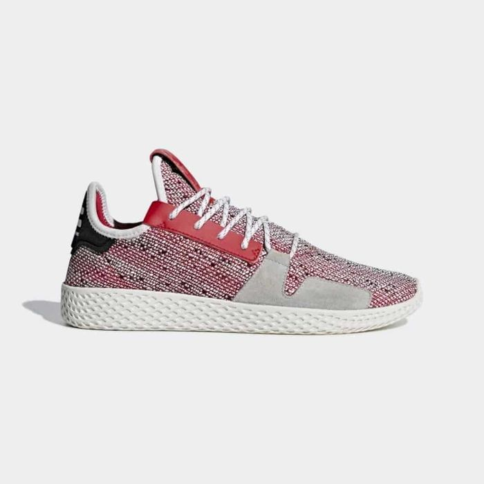 Теннисные туфли Pharrell Williams Solarhu. Источник фото: https://www.adidas.com/us/pharrell-williams-solarhu-tennis-v2-shoes/BB9542.html