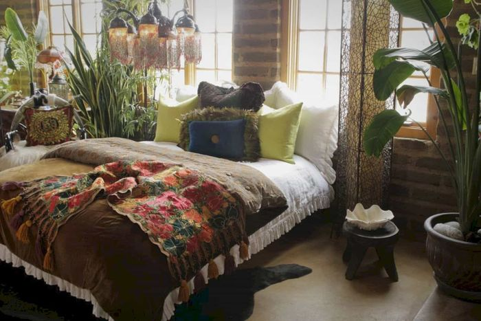 Источник фото: https://www.thespruce.com/beautiful-boho-bedroom-decorating-ideas-4119470