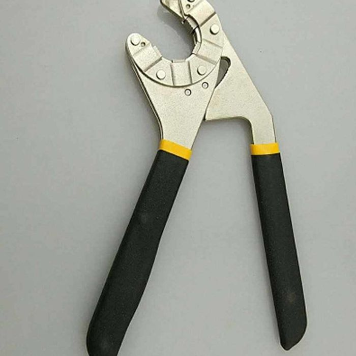 Трубный гаечный ключ. Источник фото: AliExpress.com