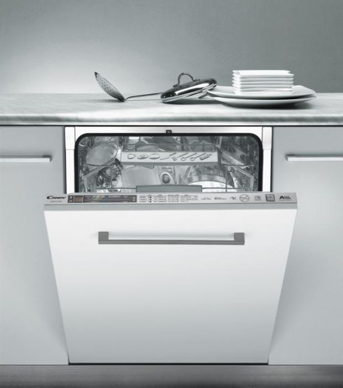 Candy - посудомоечная машина CDIM 6766, в которой в стандартном размере 60 см можно разместить до 16 комплектов посуды.