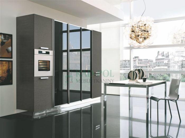 Скрытая в шкафу кухня. Источник фото: Скрытая в шкафу кухня. Фото: студия Mess Architect