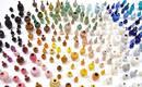 Игра с масштабом: тысячи миниатюрных ваз в радуге глазурей
