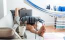 Как почистить мягкую мебель: эффективные домашние методы