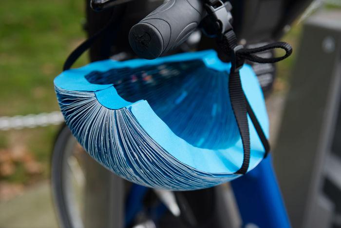 Складной шлем из бумаги. Дизайн: Isis Shiffer. Фото: dezeen.com