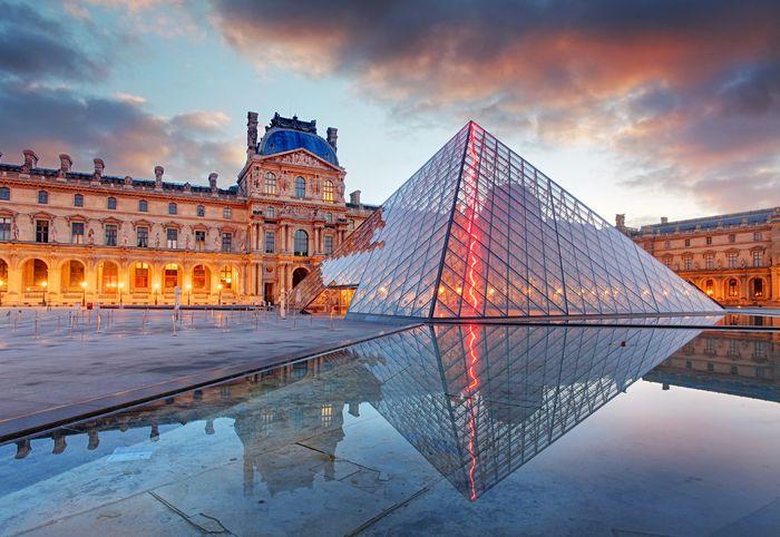 Дизайн Пея для входа в Лувр в Париже, возможно, станет его самой прочной структурой. Фото: Getty mages
