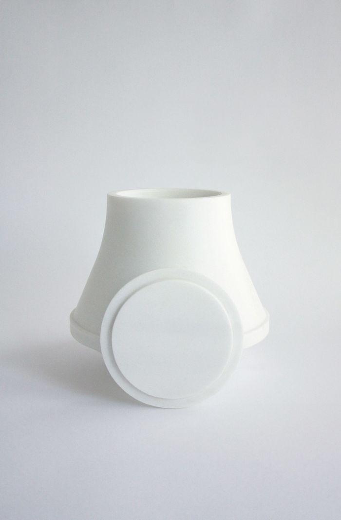 Кремационные урны. Дизайн и фото: Мария Тякина