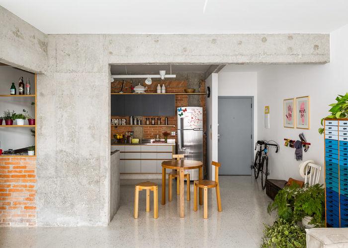 Квартира с бетоном и кирпичом. Дизайн: Vitrô Arquitetura. Фото: Ana Mello