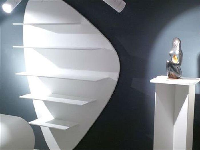 Книжная полка Libreria. Дизайнер Стефания Тьери вместе с режиссером и художником Стефано Одоарди.