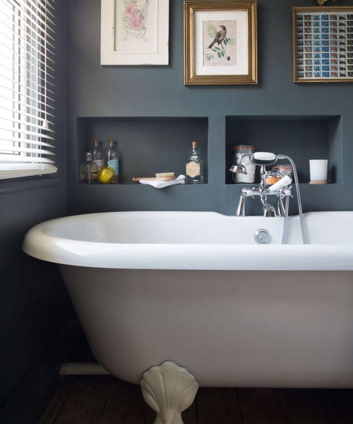 Темный цвет в ванной. Фото: Paul Craig