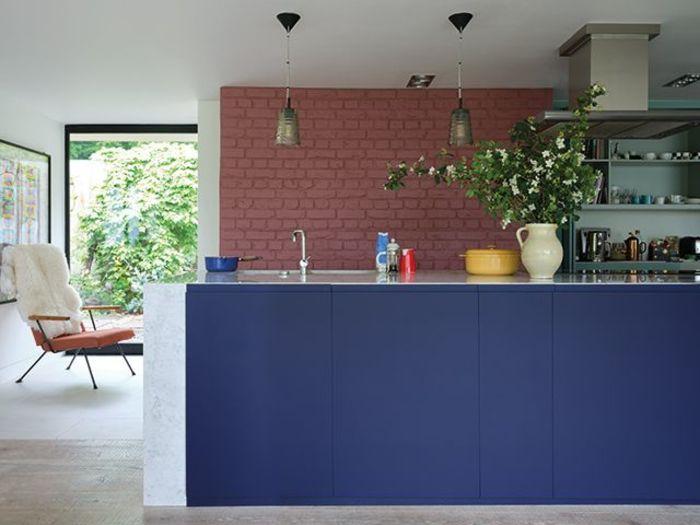 Синяя кухня. Источник фото: Farrow & Ball