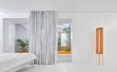 Оранжевая трава и серебряные шторы мадридской квартиры