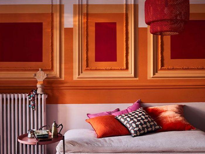 Оранжевая стена. Фото: Annie Sloan