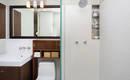 Выбор сантехники и мебели для небольшой ванной комнаты