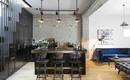 Открытые пространства и теплая живая атмосфера квартиры в Тель-Авиве