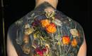Спелые фрукты и цветущие букеты на татуировках Chiaroscuro
