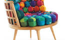 Мебель из ярких шелковых лоскутков