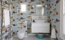 Обои в ванной – 7 идей с узорами, цветами и мотивами моря