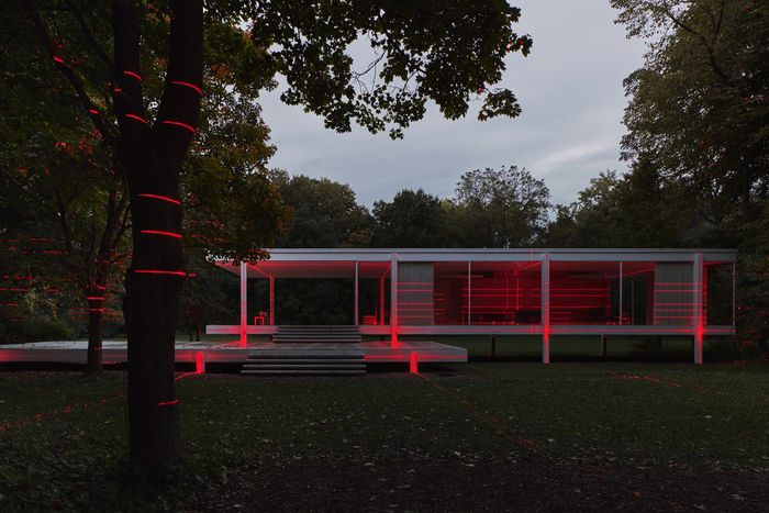 Дом Farnsworth, проект Мис Ван дер Роэ. Фото: Kate Joyce