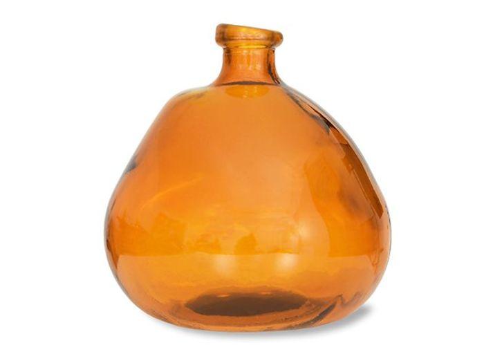 стеклянная ваза из переработанного стекла. Источник фото: ©  Garden Trading