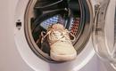 Не только одежда: 7 предметов, которые можно стирать в машине