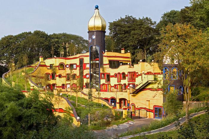 Жилой комплекс «Лесная спираль» (Waldspirale), Дармштадт (Германия)