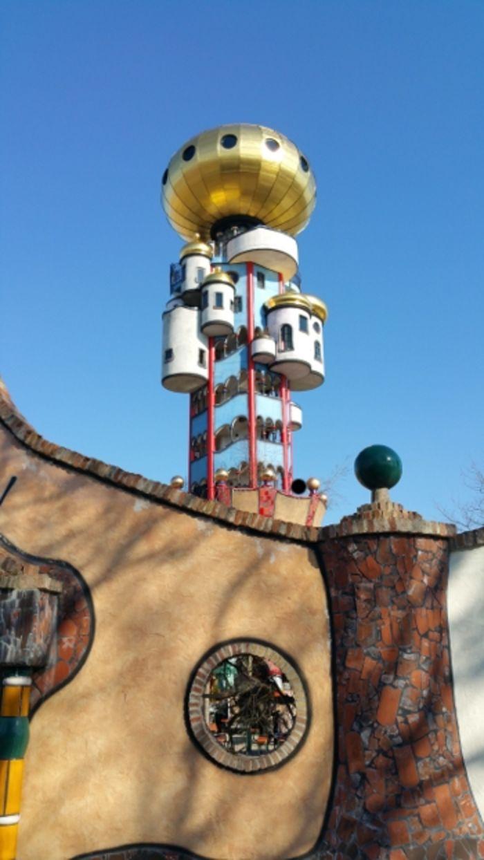 Башня Хундертвассера в Абенсберге_