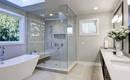 Ванна или душ? 5 решений для бюджетного ремонта ванной