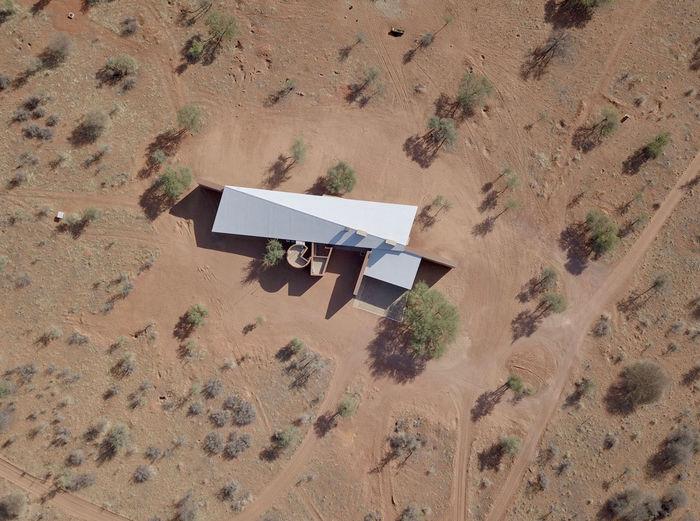 Открытый дом в пустыне