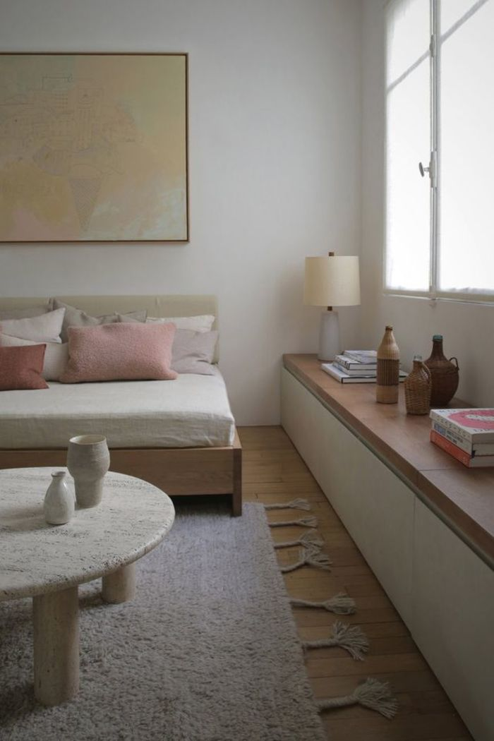 Небольшая квартира в Париже