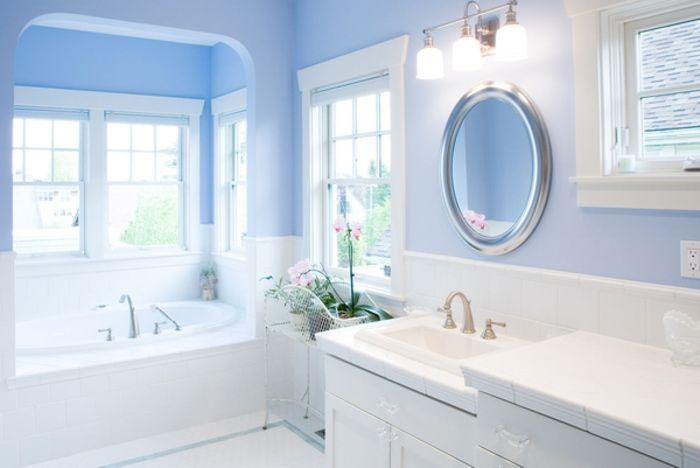 Синий в ванной