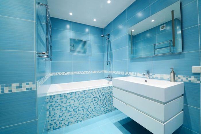 Ванная в синих тонах