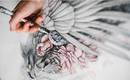 Птицы с кровоточащими сердцами в рисунках карандашом Кристины Мрозик