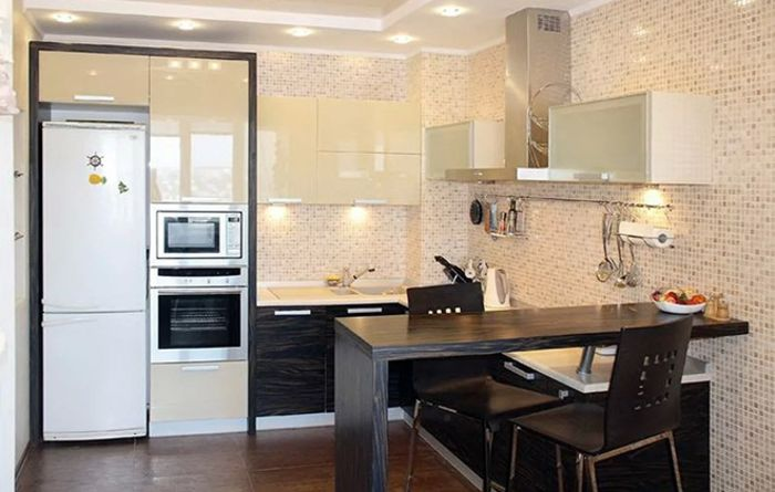 Холодильник рядом с духовкой