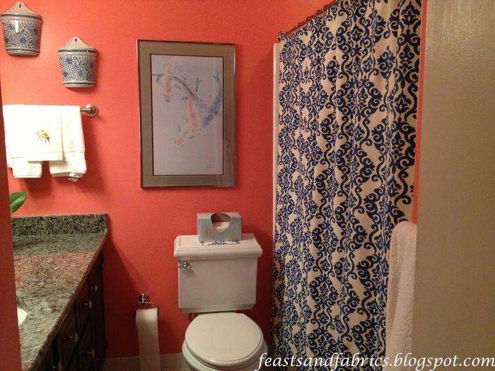 Коралловый цвет в ванной