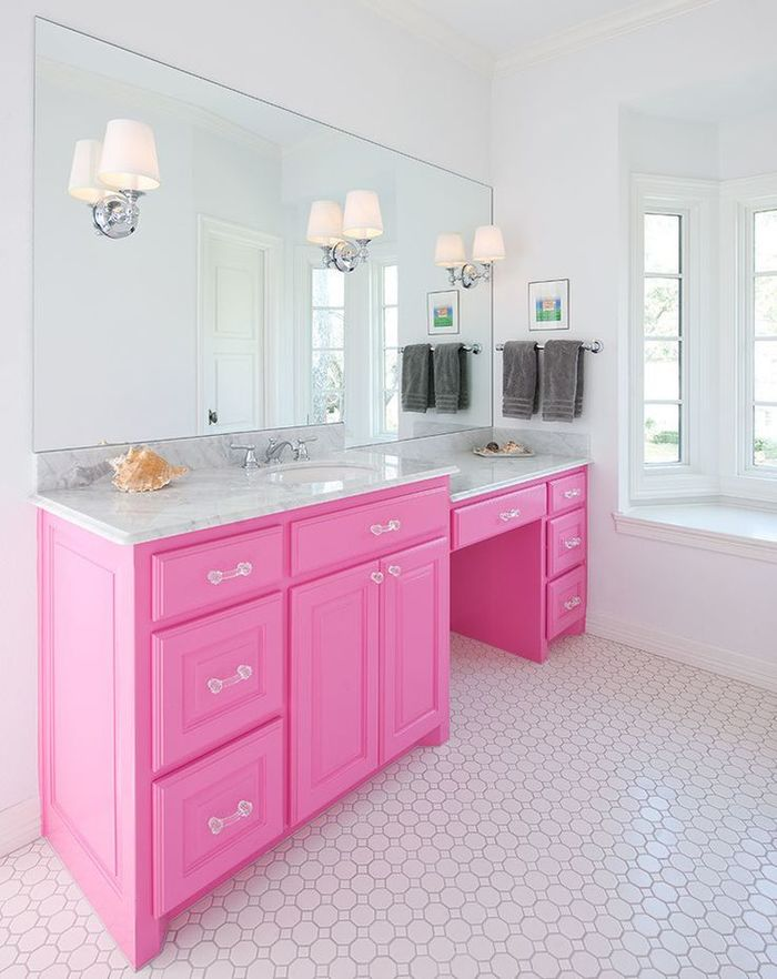 Розовый цвет в ванной