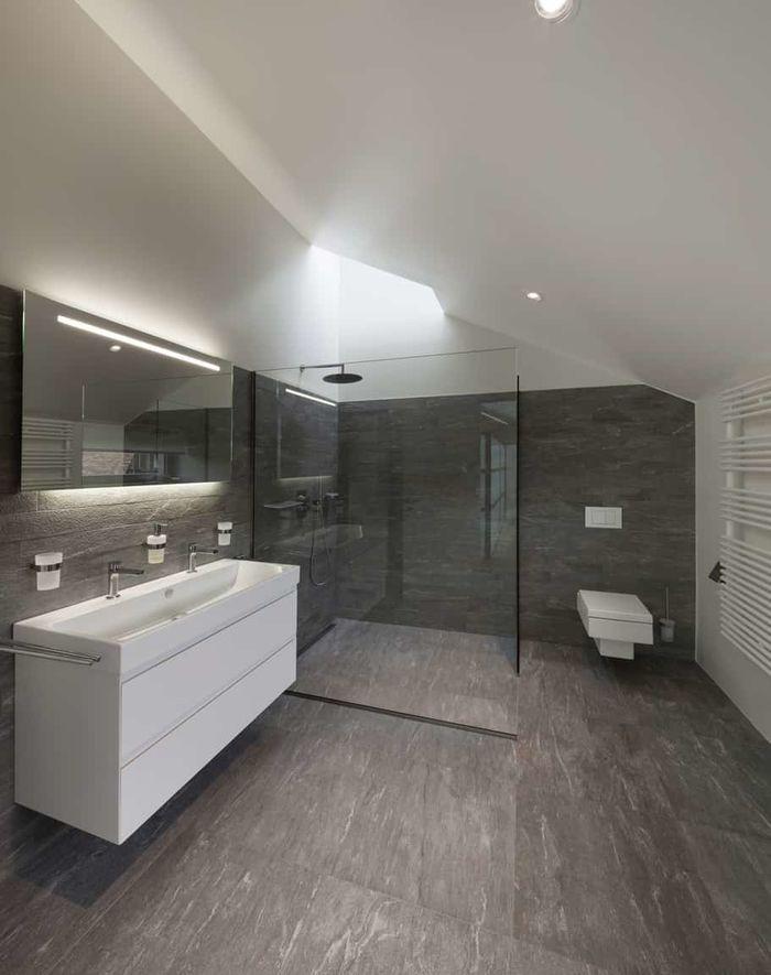 Серый цвет в ванной