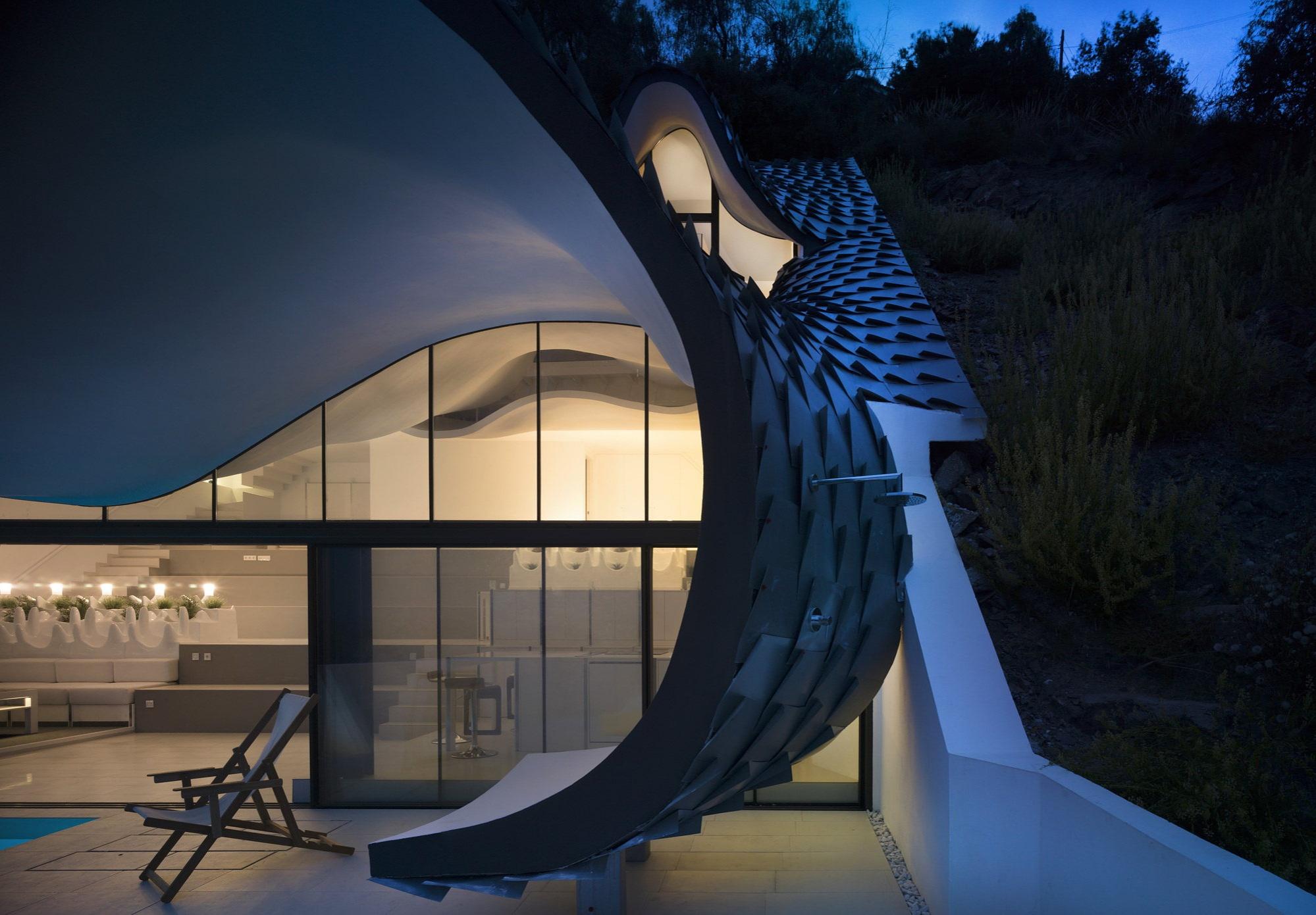 unbelievable-house-on-the-mountain-slope-overlooking-mediterranean-sea-spain-11