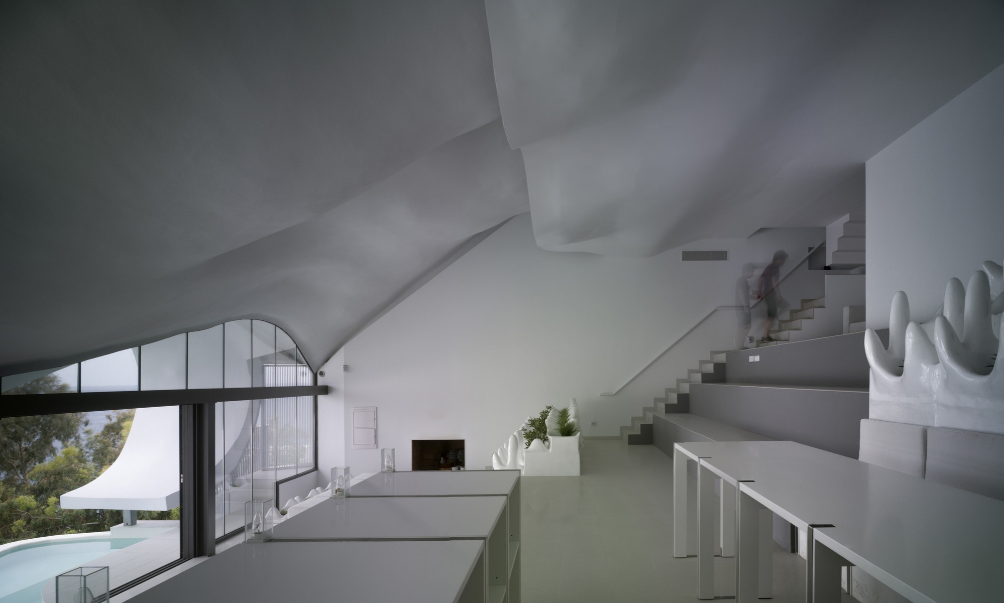 the-house-on-cliff-gilbartolome-architects-archdaily-jesus-granada_architecture-soil-house_architecture_home-designer-architectural-salary-architecture-residential-dra