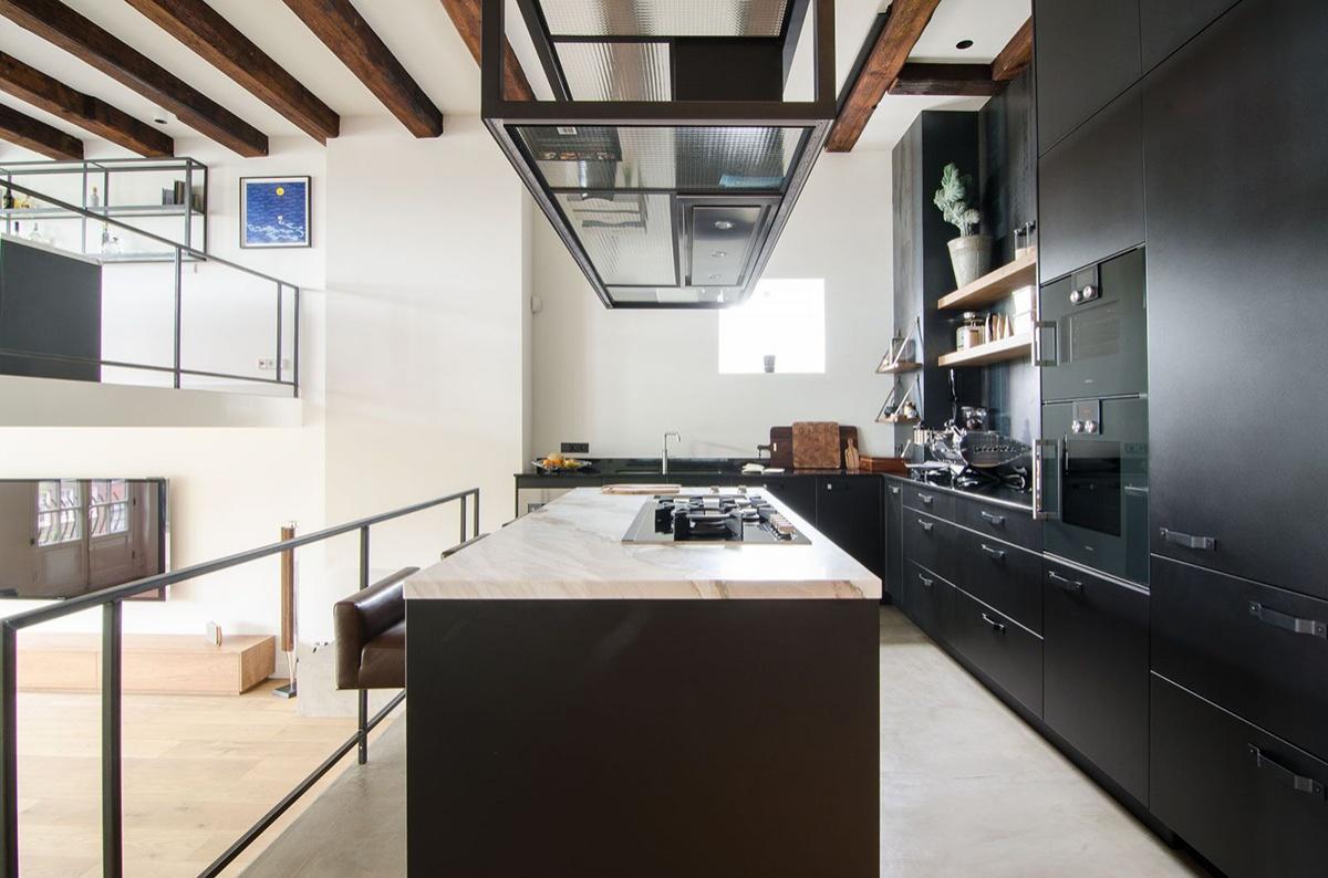 old-sugar-factory-was-converted-into-contemporary-loft-7