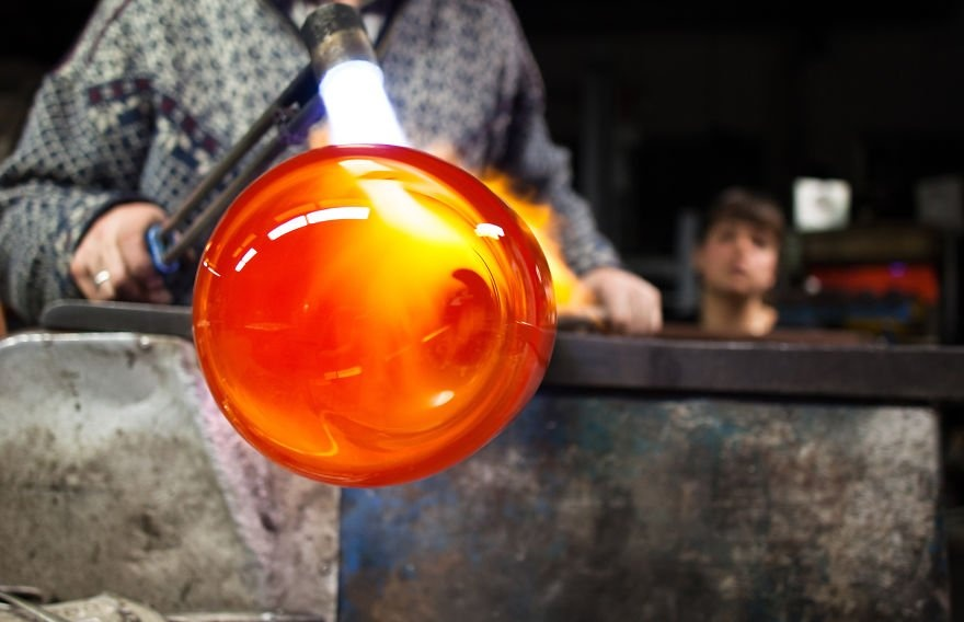 the-jar-is-made-from-mouth-blown-hand-finished-glass