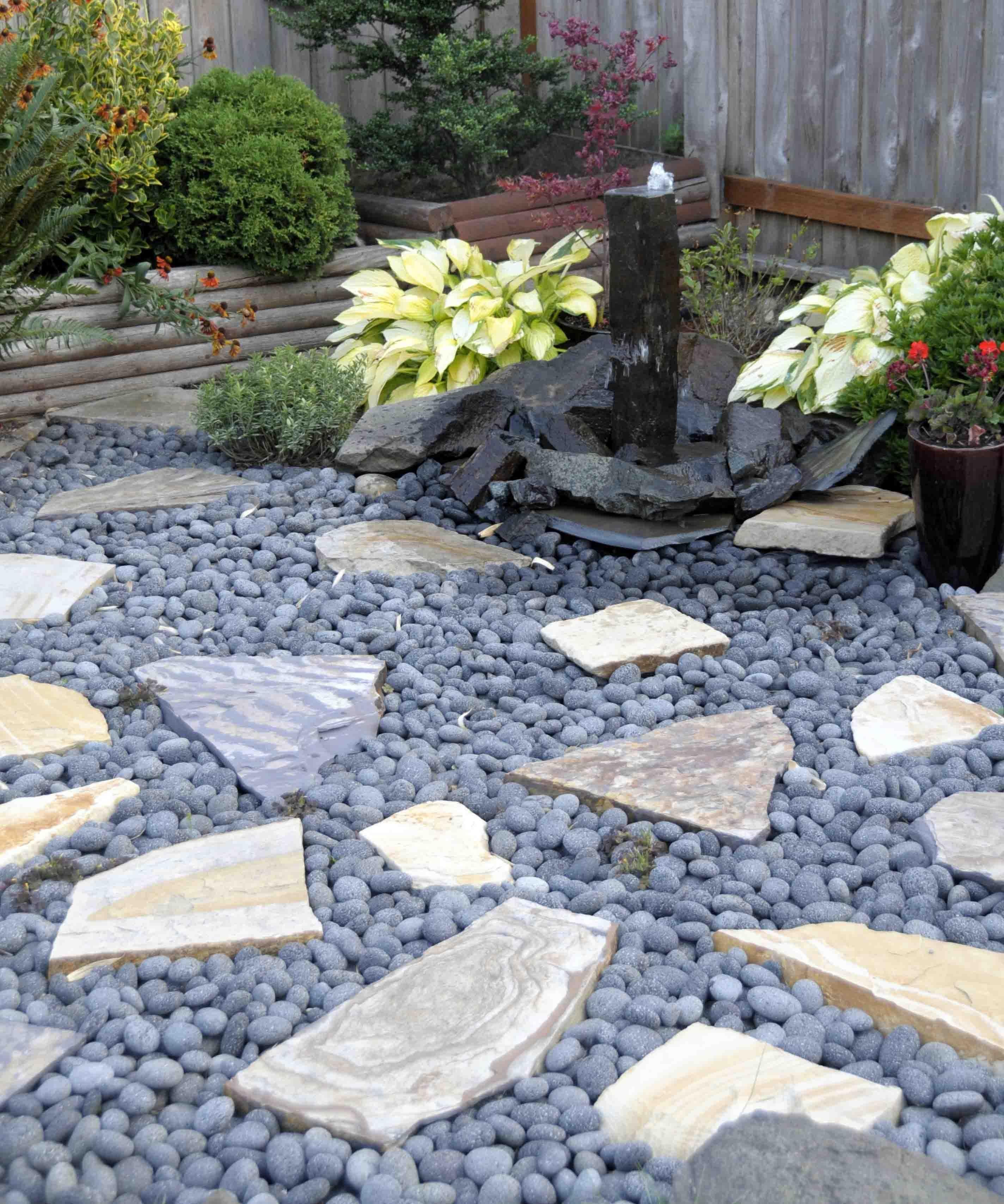 decorative_black_lava_pebble13286578054f31b58d51860-min