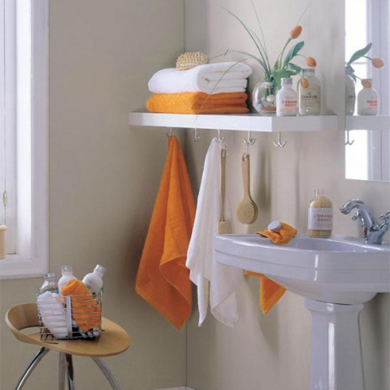 small-storage-bathroom-with-hanging-racks