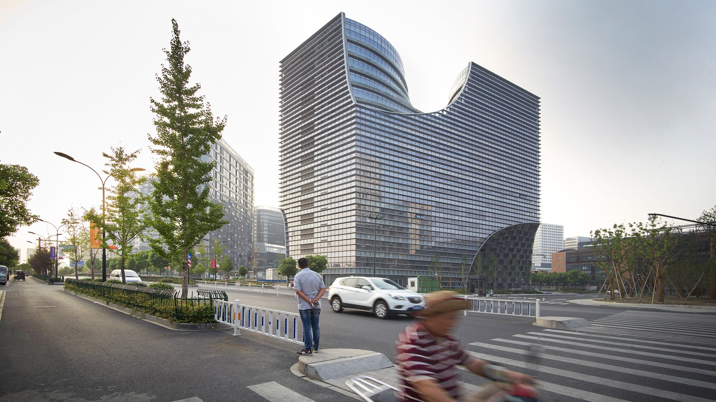 hangzhou-gateway-jds-architecture-offices-china_dezeen_2364_hero_b