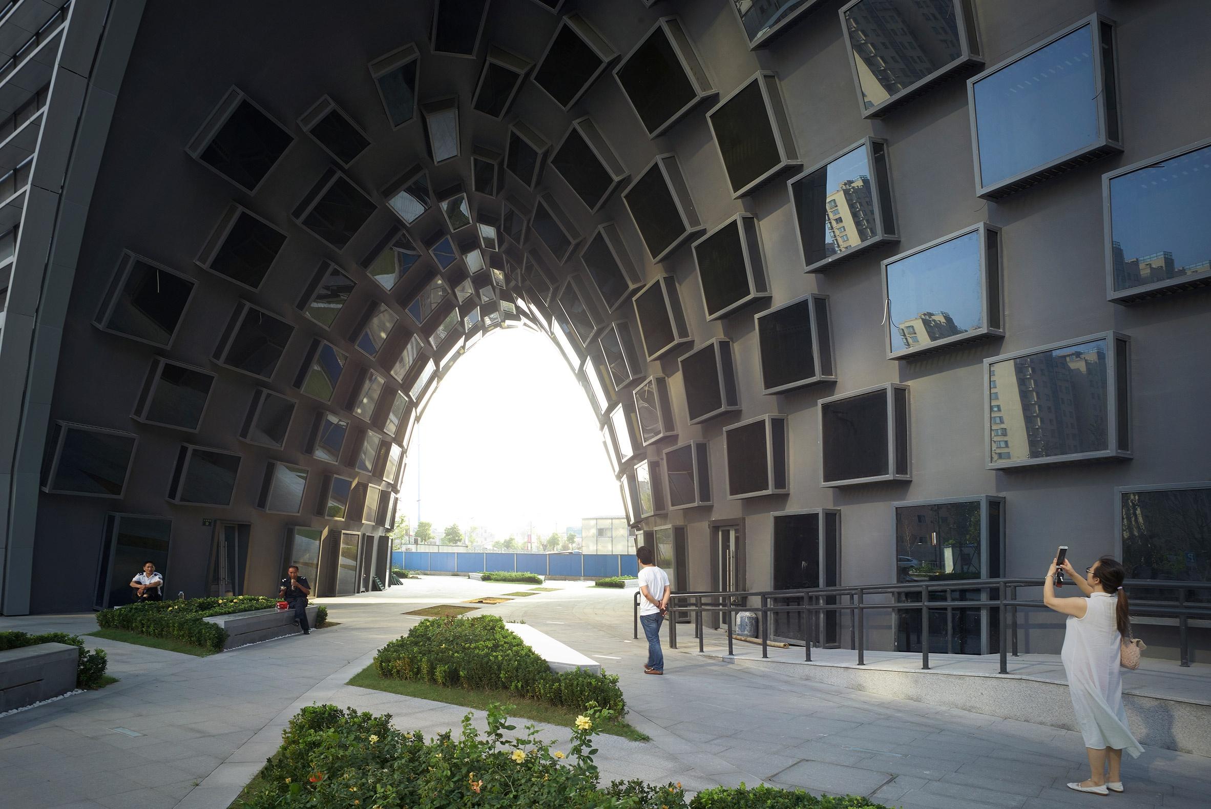 hangzhou-gateway-jds-architecture-offices-china_dezeen_2364_ss_5