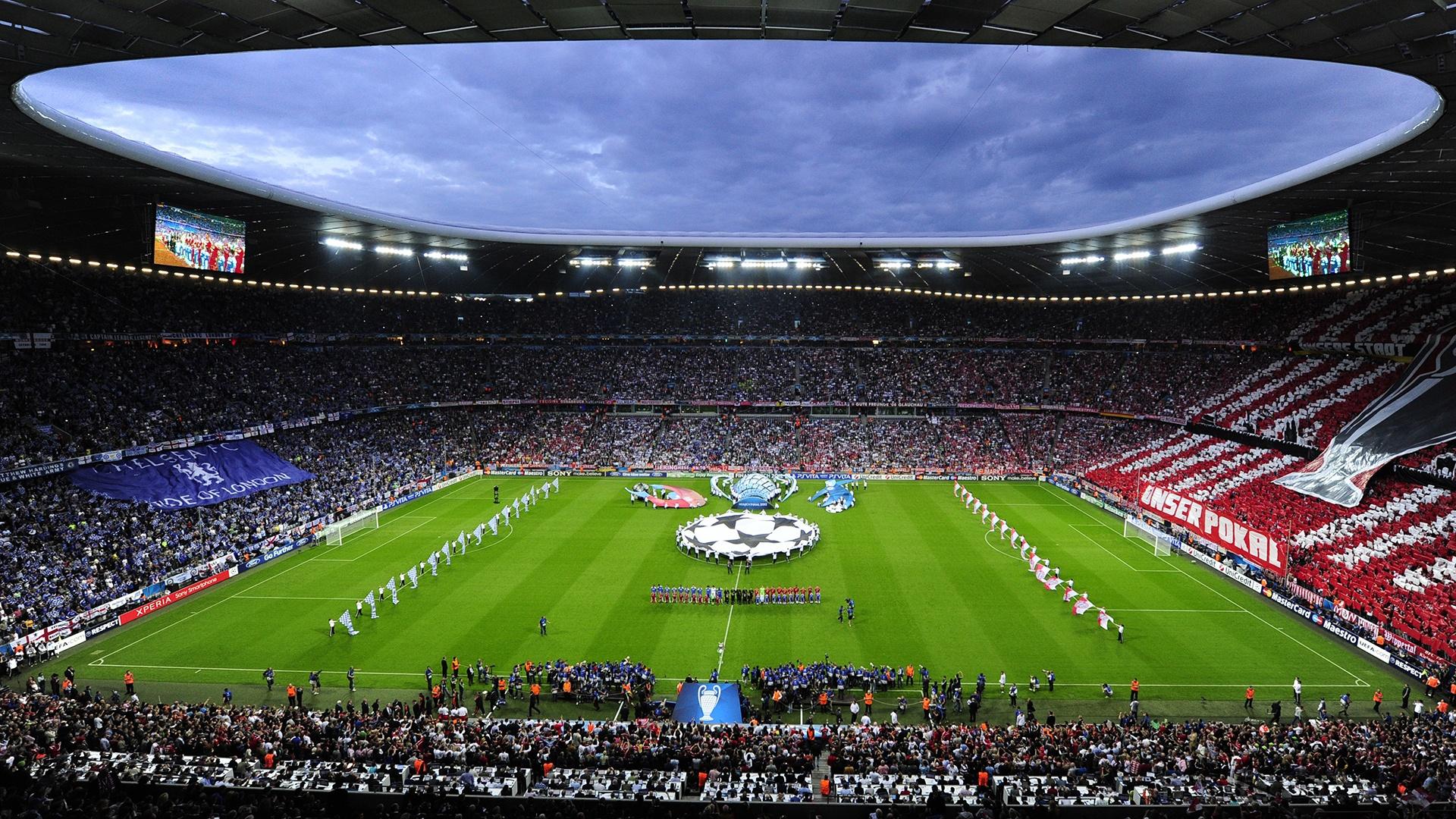 031842-allianz-arena-bayern-munchen-chelsea-fc-football-pitch-stadium-uefa-champions-league