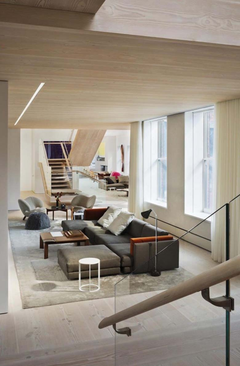 penthouse-loft-residence-soho-cast-iron-historic-district-washed-natural-light-designed-gabellini-sheppard-associates-11-696x1060