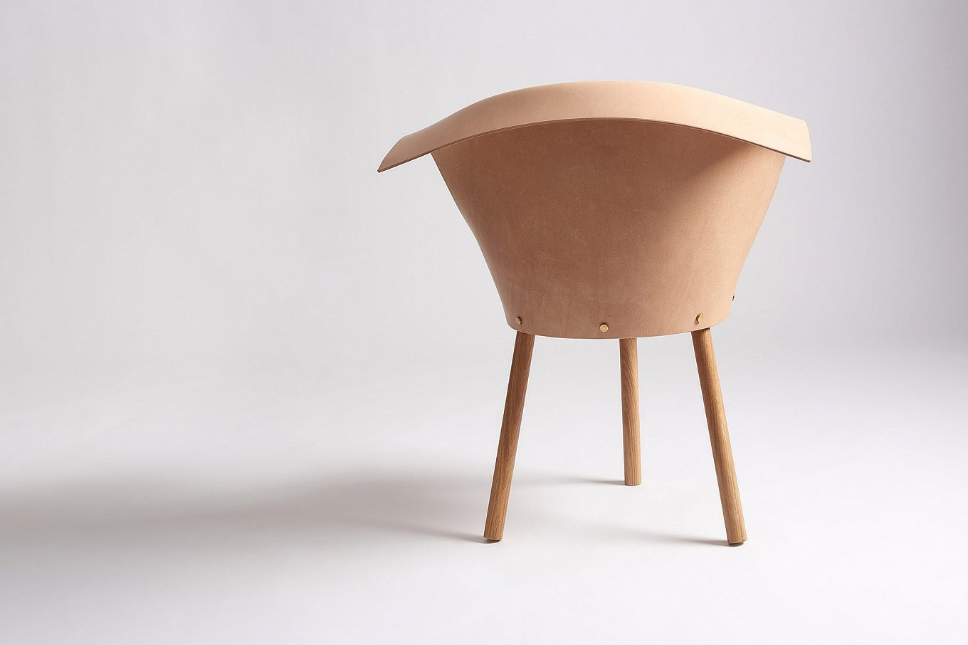 babu-and-clop-chairs-by-toru-gessato-4-1360x906